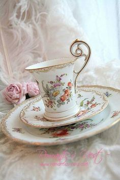Gorgeous Tea Cup And Saucer Trio Set, love the handle!
