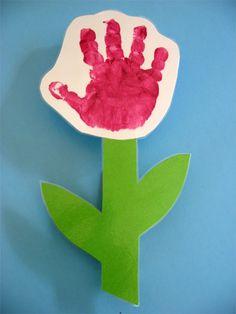 Blume mit Handabdruck (und Magnet)