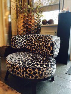 Plaatje van een fauteuil , in vele stoffen mogelijk