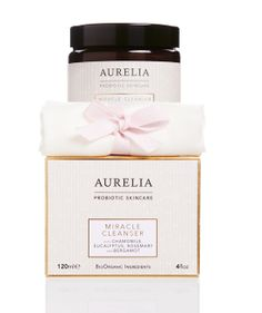 shopping Londres Miracle Cleanser d'Aurelia Probiotic Skincare http://www.vogue.fr/beaute/shopping/diaporama/vanity-a-l-anglaise/14334/image/803187