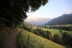 Blog Bericht Hotel Hammer & Restaurant Eigenthal Luzern. Reise Fotos. Typisch Schweiz, Swissness, Schwinger Stube, Wandern, Kapelle, Kirche, Natur.