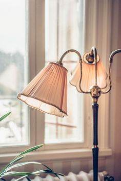 Villa Strömsfors del II. - Lovely Life Home Interior, Interior Decorating, New England Homes, Beautiful Hotels, Modern Bohemian, Living Room Inspiration, Beautiful Interior Design, Lamp Light, Home Accessories