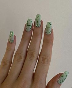 Simple Acrylic Nails, Summer Acrylic Nails, Best Acrylic Nails, Simple Nails, Acrylic Nails Green, Mint Green Nails, Summer Nails, Green Nail Art, Basic Nails