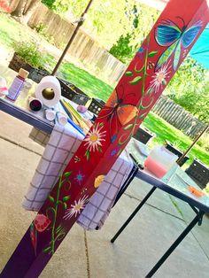 Astounding Best 15 Beautiful Garden Poles Ideas To Increase Your Garden Beauty g… - Garden Deco Garden Crafts, Garden Projects, Peace Pole, Garden Poles, Garden Trellis, Pole Art, Wood Post, Garden Signs, Outdoor Art