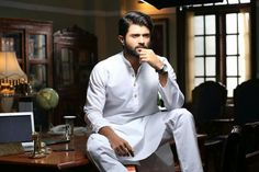 Vijay Devarakonda featured in Forbes 30 Under 30 list. Thanks to his rapid growth as an Actor in the past few years. On this occasion, Vijay Devarakonda 30 Under 30 List, Ravi Teja, Vijay Actor, Vijay Devarakonda, Picture Movie, Poses For Men, Best Careers, Celebs, Celebrities
