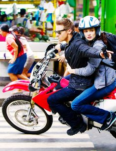Jeremy Renner and Rachel Weisz, Bourne Legacy.