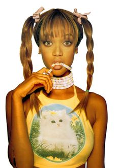 Tyra Banks' kitten shirt