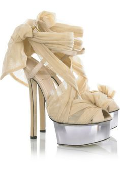 Celebrities who wear, use, or own Fendi Tulle-Embellished Suede Sandals. Also discover the movies, TV shows, and events associated with Fendi Tulle-Embellished Suede Sandals. Zapatos Color Beige, Beige Shoes, Fendi, Stilettos, Pumps, Shoe Boots, Shoes Heels, High Heels, Fab Shoes