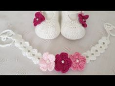 Booties Crochet, Crochet Baby Shoes, Crochet Baby Clothes, Crochet Slippers, Baby Booties, Crochet Accessories, Crochet For Kids, Beautiful Crochet, Headbands