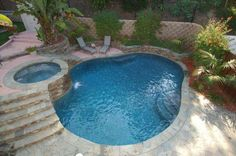 Gorgeous pool with raised spa, this would work well with slope beside new entertaining area Pool Spa, My Pool, Beach Pool, Inground Pool Designs, Outdoor Spaces, Outdoor Living, Outdoor Decor, Small Pools, Pool Houses