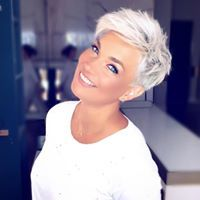 The 68 Greatest Blonde Pixie Hairstyles and Haircuts that Must You Try - Frisuren femme Pixie Haircut For Thick Hair, Short Pixie Haircuts, Emo Haircuts, Blonde Pixie Haircut, Haircut Short, Short Pixie Cuts, Poxie Haircut, Pixie Haircut Styles, Pixie Styles