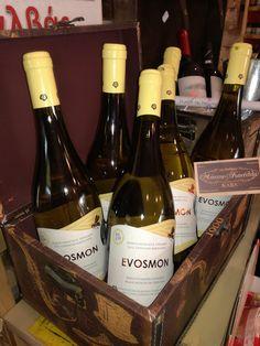 To Taλκ και το κατάστημα Μόσχος&Κανέλλα διοργανώνουν διαγωνισμό και προσφέρουν σε έξι τυχερούς από μια φιάλη λευκό κρασί EVOSMON