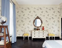 Albert Hadley-designed bedroom with his Reddish Rose wallpaper. Like the white chairs with yellow upholstery.