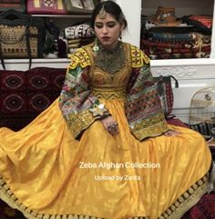Afghan Clothes, Afghan Dresses, Dress Jewellery, Afghan Girl, Designs For Dresses, Vintage Wear, Traditional Outfits, Fashion Dresses, Sari
