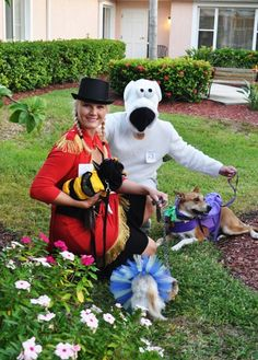 Organize a Halloween Pet Parade at a Retirement Home