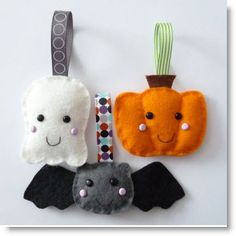 Felt Mini Halloween plush ornaments Tutorial · Felting | CraftGossip.com