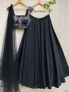 Indian Fashion Dresses, Indian Gowns Dresses, Indian Bridal Outfits, Dress Indian Style, Indian Designer Outfits, Indian Skirt, Half Saree Designs, Lehenga Designs, Dress Designs