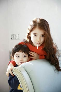 Jamie & Thalia Zodoriya Frost ( Childs of Julien & Emma ) Half Asian Babies, Korean Babies, Asian Kids, Cute Mixed Babies, Cute Babies, Baby Kids, Half Korean, Ulzzang Kids, Kids Blankets