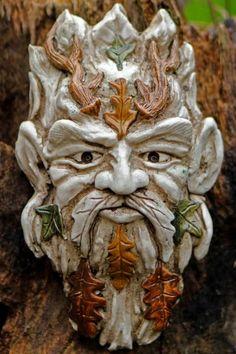 little-herne-green-man-sculpture
