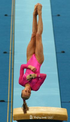 Nastia Liukin (United States) on vault at the 2008 Beijing Olympics Gymnastics Images, Sport Gymnastics, Artistic Gymnastics, Olympic Gymnastics, Olympic Sports, Olympic Games, Nastia Liukin, E Sport, Sport Girl