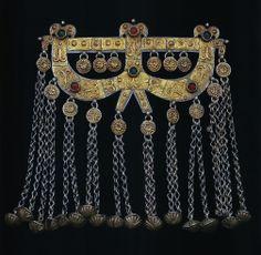 Central Asia | Turkmen Ok Yai; Ornament for the boy [ok'yai] | 19th century | Silver, gilding, stones