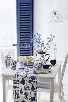 Dining room | nautical | floral | inspiration | interiors | seaside | beach | white | blue