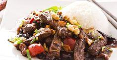 Boeuf mongolien …des lanières de boeuf, une sauce fait de sauce soya, de cassonade et une touche de gingembre.