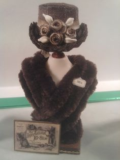 A rather smart hat and fur stole.