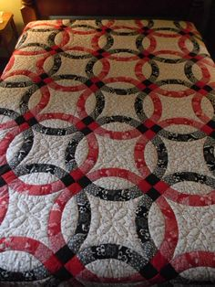 Lancaster County Amish Handmade Queen Wedding Ring Quilt - 263