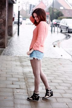 THE STYLING DUTCHMAN.: Peach Knit, Boyfriend Shorts and Sneaker Wedges