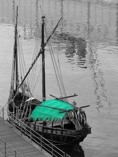 el barco solitario, Genova, Italy