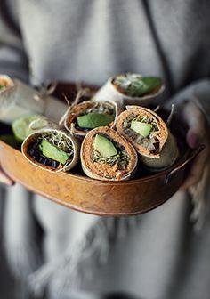 Cette recette est un tout, mais elle peut aussi bien être décomposée puisque la tartinade est malade, juste comme ça, servie avec des légumes, du fromage ou des craquelins.