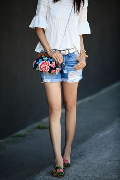 #Fashion  Summer Style : Spring Style: Floral clutch + flats