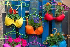 creative ideas for your garden- creative i - Garden Waterfall Garden Yard Ideas, Diy Garden Projects, Garden Crafts, Diy Garden Decor, Garden Pots, Diy Home Decor, Easy Garden, Recycled Decor, Recycled Garden