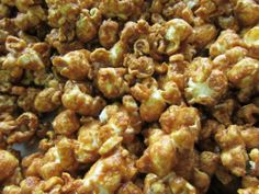 Caramel popcorn from the wood-fired oven!