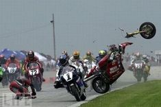 Steve Rapp and the surreal crash at Road America in Wiping out at over 100 mph, he got up and ran back to pits for back-up bike, finishing an incredible Epic Fail Pictures, Cool Pictures, Funny Pictures, Motorcycle Racers, Racing Motorcycles, Speedway Motorcycles, Valentino Rossi, Troll Meme, Jokes