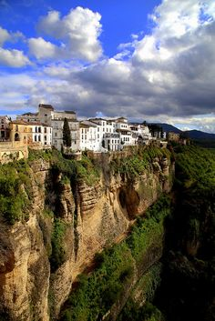 Perched on the cliffs, Ronda / Spain (by odradek78).