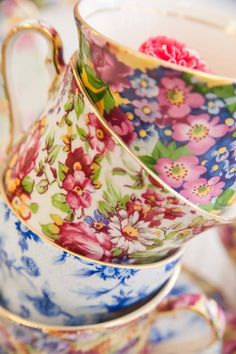 Such a pretty stack of floral teacups!