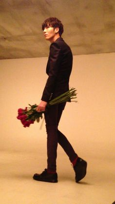No Min Woo and flowers