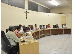 Vereadores discutem projeto sobre pronto atendimento http://www.passosmgonline.com/index.php/2014-01-22-23-07-47/regiao/4397-vereadores-discutem-projeto-sobre-pronto-atendimento