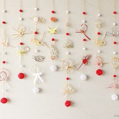 ご祝儀袋に使われている水引飾りを日常インテリアとしてお使い頂ける「モビール・つるし飾り」にリメイクを行いました。 Chinese New Year Decorations, Chinese New Year Crafts, New Years Decorations, New Year's Crafts, Diy Crafts, Japanese Paper Art, Baby Event, Paper Ornaments, Washi