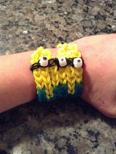 Awesome Rainbow Loom Minions! find the tutoriol for these and other bracelets at www.loomlove.com
