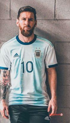 Lionel Messi w nowej koszulce Argentyny Football Player Messi, Messi Soccer, Messi Argentina, Argentina Soccer, Messi Vs Ronaldo, Messi 10, Cristiano Ronaldo, Lionel Messi Barcelona, Barcelona Football