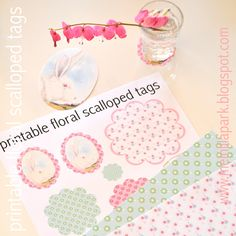 Free printable floral scalloped decoration tags - ausdruckbare Dekorationen - freebie | MeinLilaPark – DIY printables and downloads