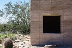 Architecture student Conor Denison has built a tiny, rammed-earth shelter on the desert campus of Frank Lloyd Wright's School of Architecture at Taliesin. Architecture Student, Classical Architecture, Residential Architecture, Contemporary Architecture, Organic Architecture, Frank Lloyd Wright, Natural Building, Green Building, Journal Du Design