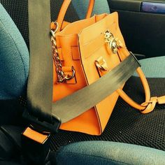 Yup exactly the correct way to keep ur bag safe !!