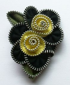 Black and Yellow Multi Flower Floral Brooch / Zipper Pin by ZipPinning 2563