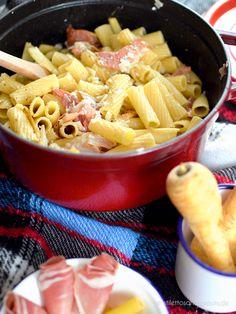 Pasta mit Pastinaken nach Jamie Oliver – schnell gemacht und super lecker. Die Kombination von Pastinaken, rohem Schinken und Parmesan ist unerwartet gut. Alles passt perfekt zusammen – definitiv ein Lieblingsessen nach Jamie Oliver
