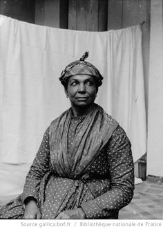 Martinique. Mulatresse (Lucie Marinal, dite Lucie Gouosse jambe) (1899) / [photogr.] Salles ; [photogr. reprod. par Radiguet & Massiot?] - 1