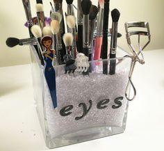 DIY Makeup Brush Storage - Hello Miss Niki